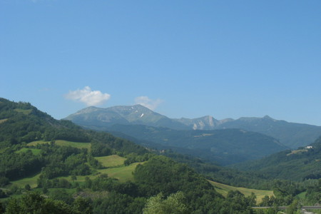 Succiso di Ramiseto, Reggio Emilia. Il paese cooperativa e la Valle dei Cavalieri