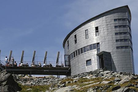 VELAN, rifugio del Canton Vallese nelle Alpi pennine, Associaizone Cantieri d'Alta Quota