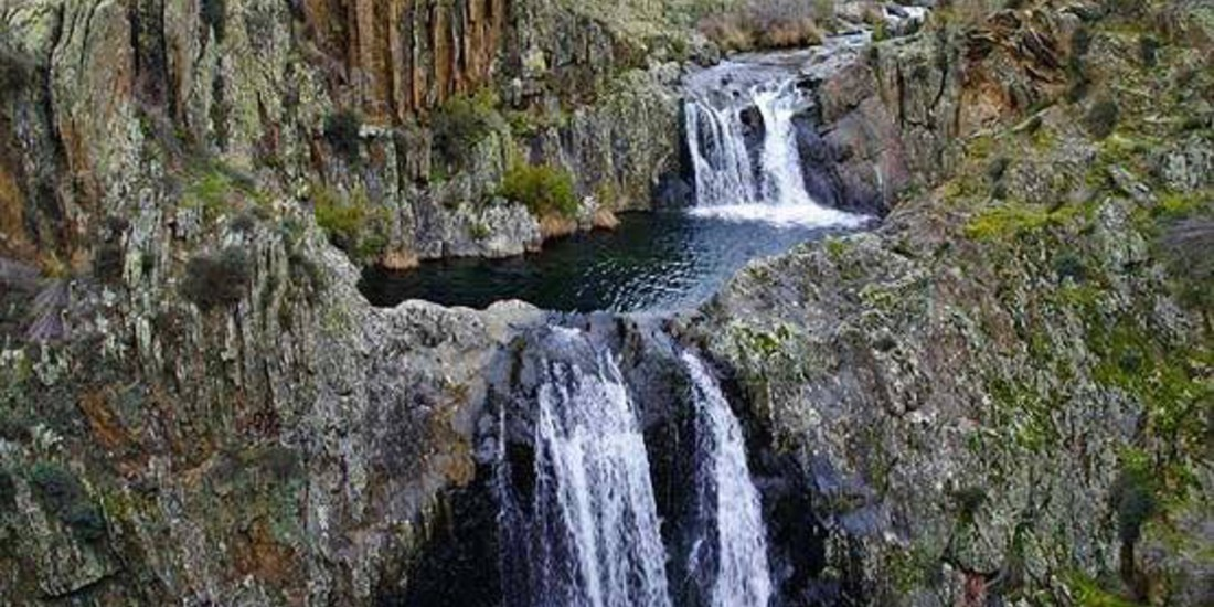La Cascata di Aljibe nelle montagne a nord di Guadalajara