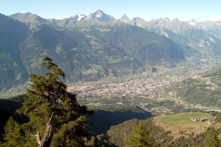 Aosta, panorama della città da Saint-Christophe