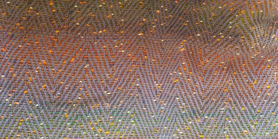 Una sciarpa prodotta dal Labortorio tessile Arcank'io