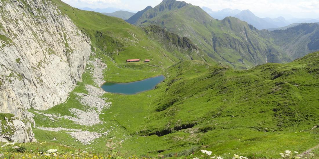 Lago Avostanis dalla Creta di TImau, Alpi Carniche