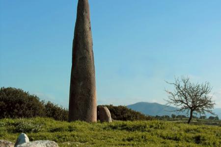 Menhir Monte Corru Tundu, Sardegna prenuragica
