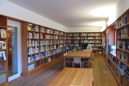 La biblioteca della sede dell'istituto