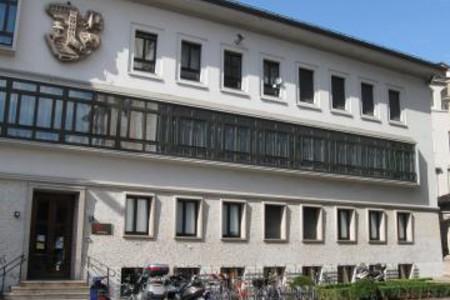 La facciata della sede della fondazione in Piazza S.M. Maggiore, a Trento